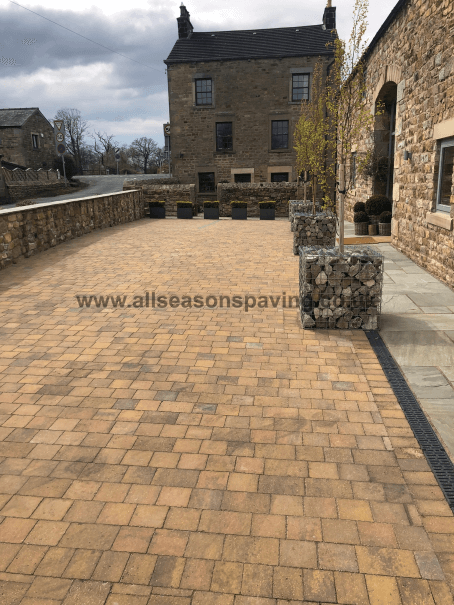 Barn conversion block paving driveway in Lancaster