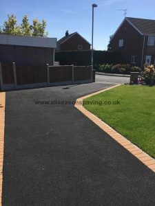 driveway in leyland tarmac with paving block